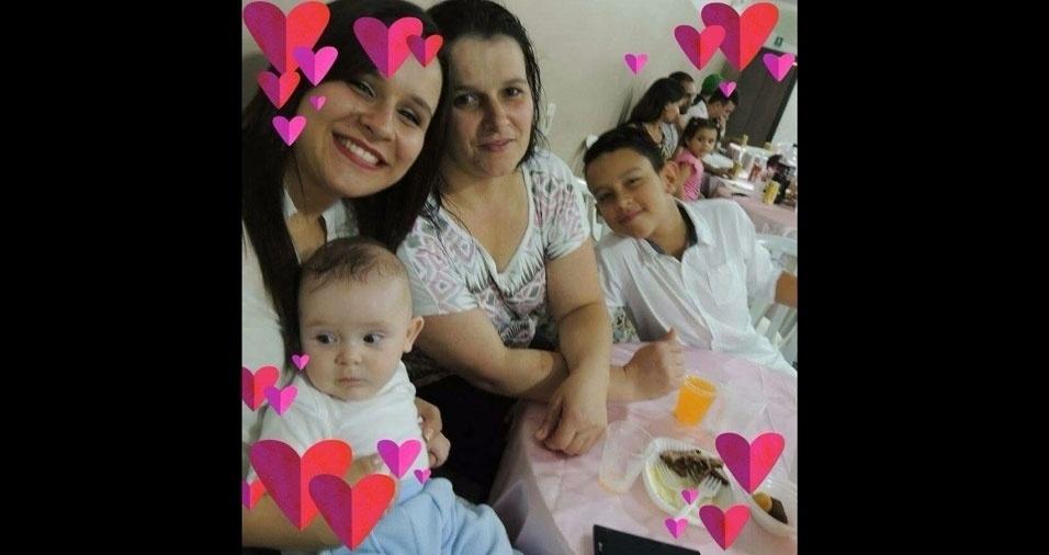Katia é a mamãe do Matheus e da Gabriela e a vovó do Christian. Eles moram em Guarulhos (SP)