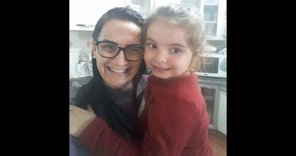 Helena com a vovó Viviane Marcos, de Tubarão (SC)