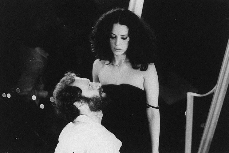 """1981 - Paulo César Pereio e Sonia Braga em cena do filme """"Eu te Amo"""""""