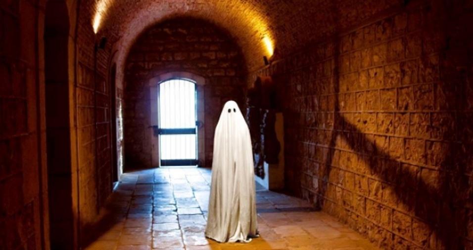 7. Que fique claro que ser um fantasma não é só festa. Hoje em dia, com a crise, é muito difícil encontrar um emprego decente em um castelo ou casa para assombrar