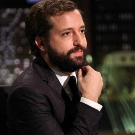 """Gregório Duvivier apresenta o """"Greg News"""" - Divulgação/HBO"""