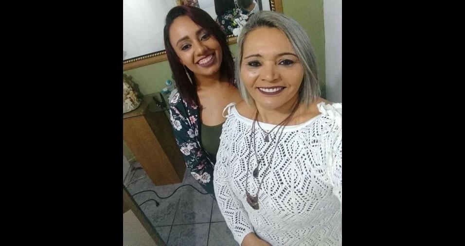 Caroliny Duarte Barbosa Rodrigues com a mãe Maria Benilda Barbosa Rodrigues, de Poá (SP)