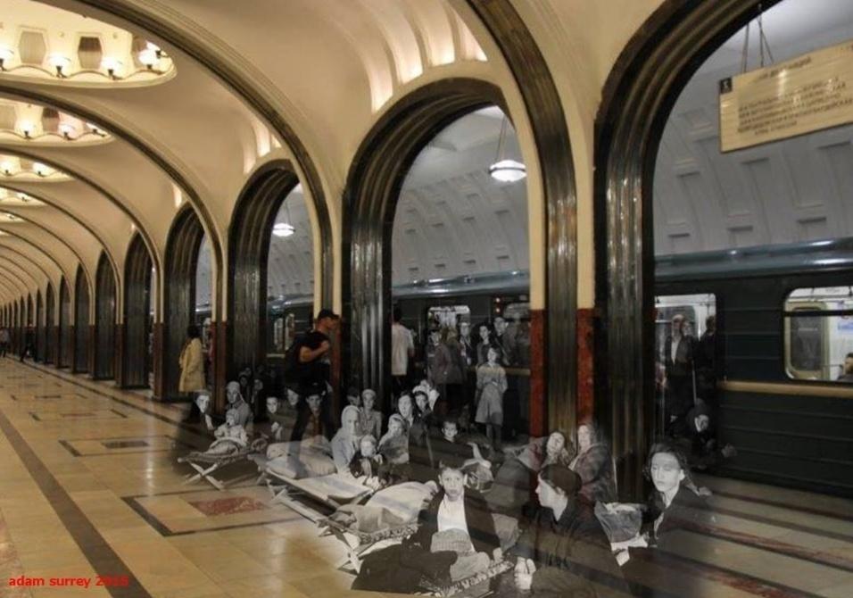 24.nov.2015 - No metrô da cidade de Mayakovskaya, em 1941, civis russos se abrigaram contra bombardeios alemães. À esquerda, é possível ver a tranquilidade do local nos dias de hoje