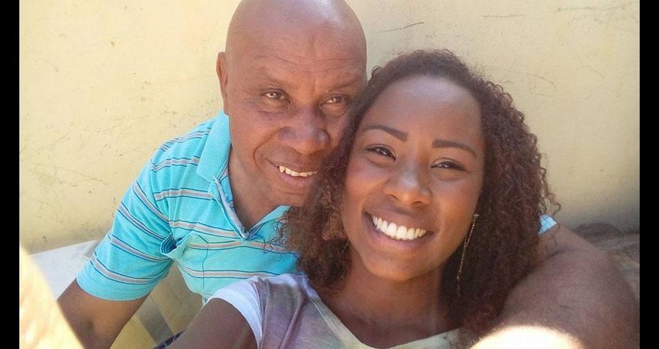 Cleisi Cruz juntamente com o seu paizão Claudemiro, de Itaboraí (RJ)