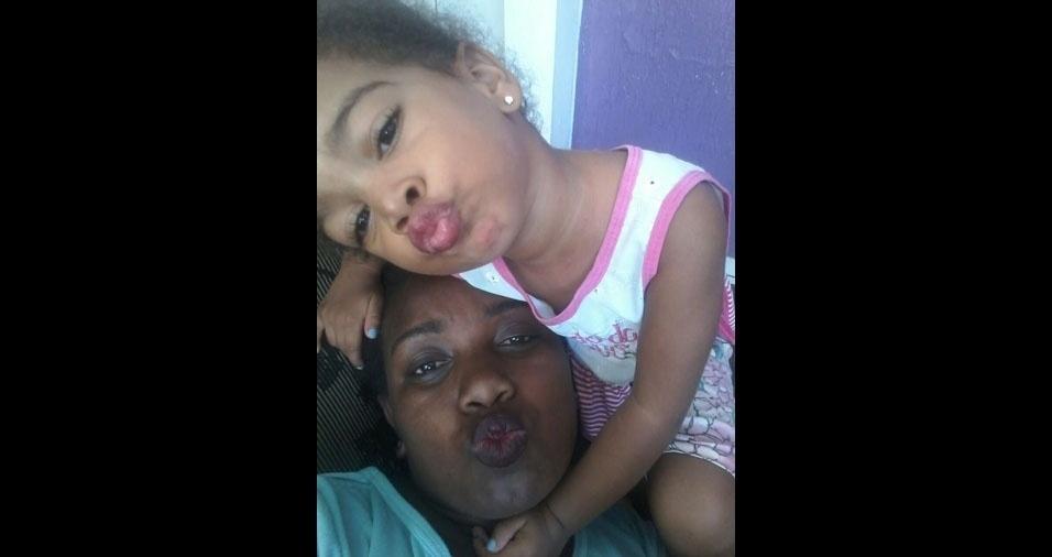"""Katia Kristiane dos Santos, de Santa Bárbara d'Oeste (SP), mãe da Jamilly Vitória, manda seu recado: """"Agradeço muito em ser mãe dela. Meu amor por ela é incondicional"""""""