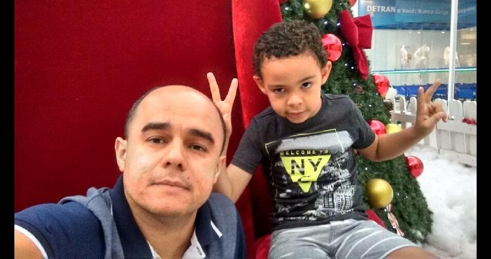 Rodrigo Ferreira com o filho Italo Reis Ferreira, Resende (RJ)