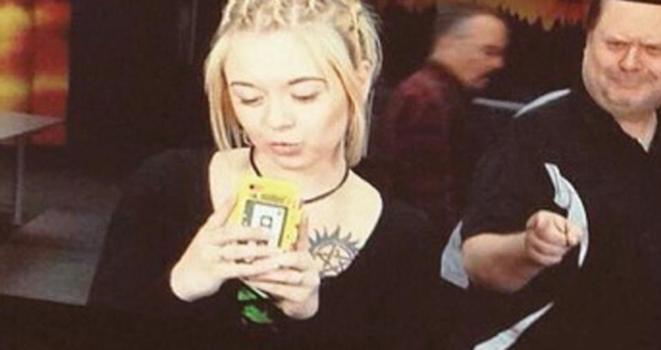 10. Cassie pode mudar de cabelo, apostar em novos estilos, mas, aparentemente, nada faz com que Chris desista das selfies