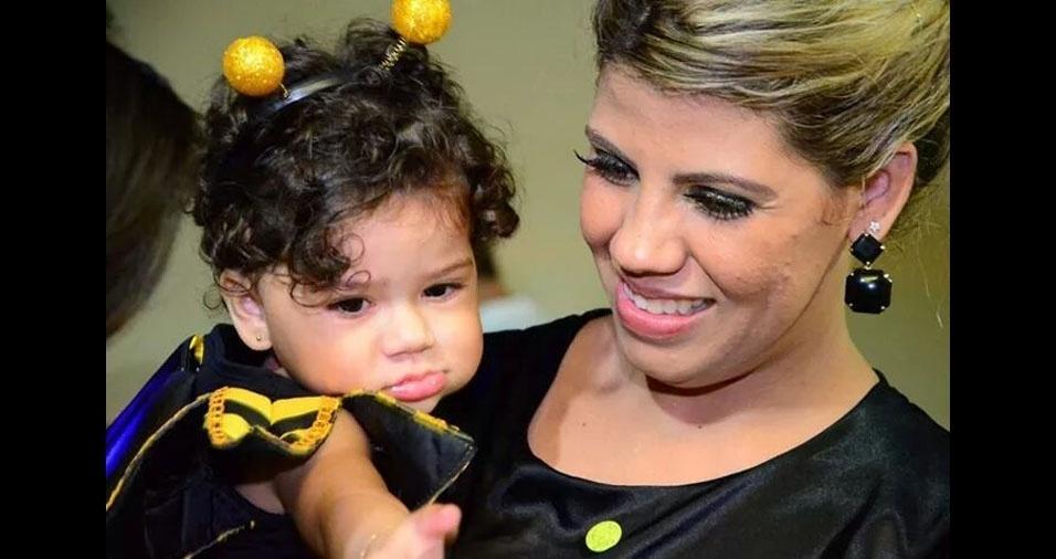 Valentina com a mãe Rossiane, de Rio Branco (AC)