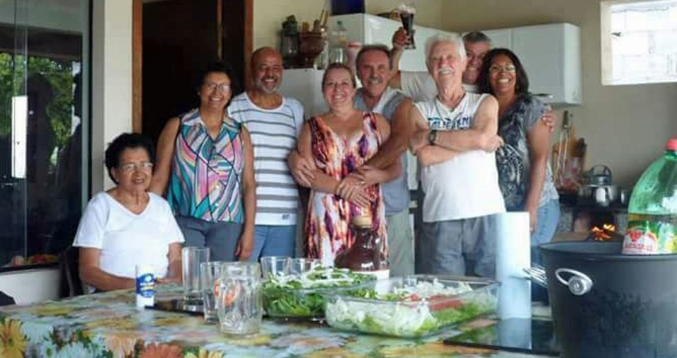Valdir Pascuotte homenageia o pai Domingos Pascuotte. Eles moram em Santo Andre (SP)