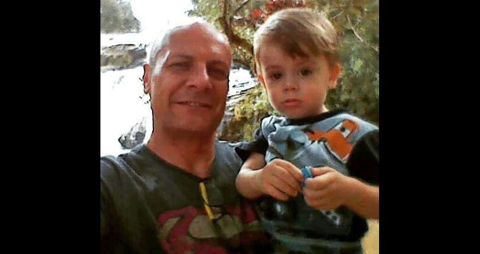 Papai Joacir com o filho Misael, de Curitiba (PR)