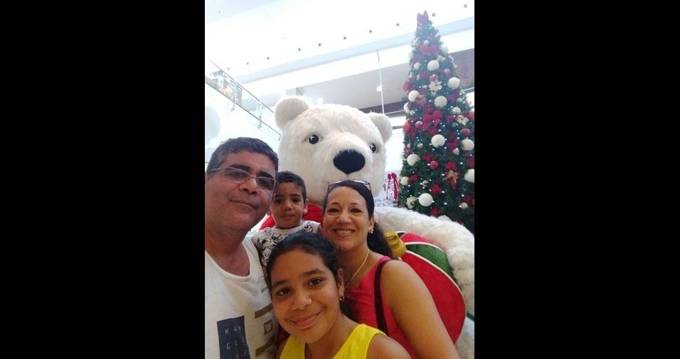 Valter, Luceli e filhos Maria Clara e João Pedro, de Pindamonhangaba (SP)