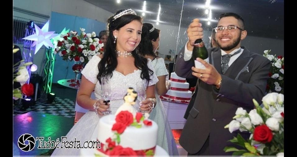 Larissa Evangelista Rodrigues e Sérgio Ricardo Rodrigues Júnior se casaram em Mongaguá, dia 18 de março de 2017