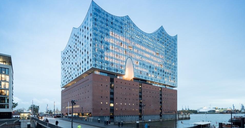 6.mar.2017 - O novo prédio da Filarmônica de Hamburgo, na Alemanha, foi o vencedor da categoria Cultura. O projeto foi assinado pela Herzog & de Meuron