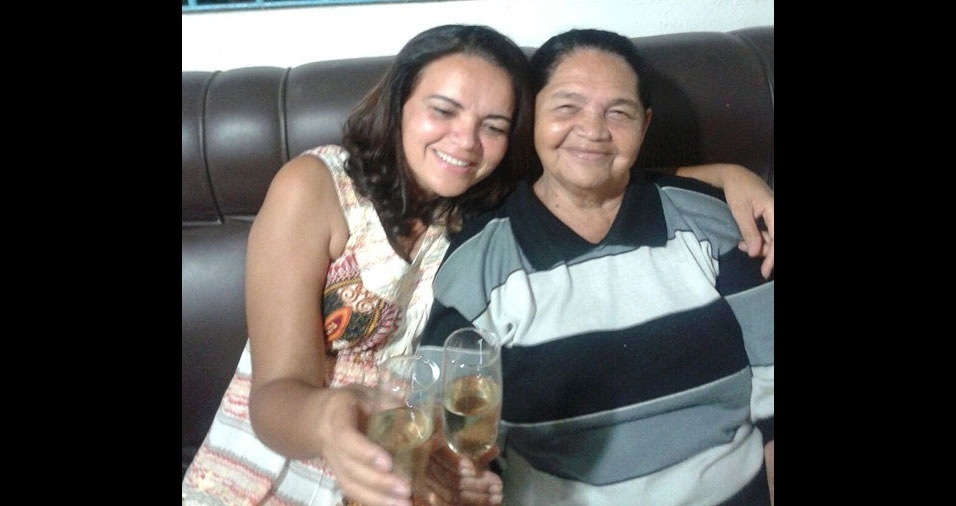 Maria Teresa Paulino com a mãe Teresa Maria Paulino, do Recife (PE)