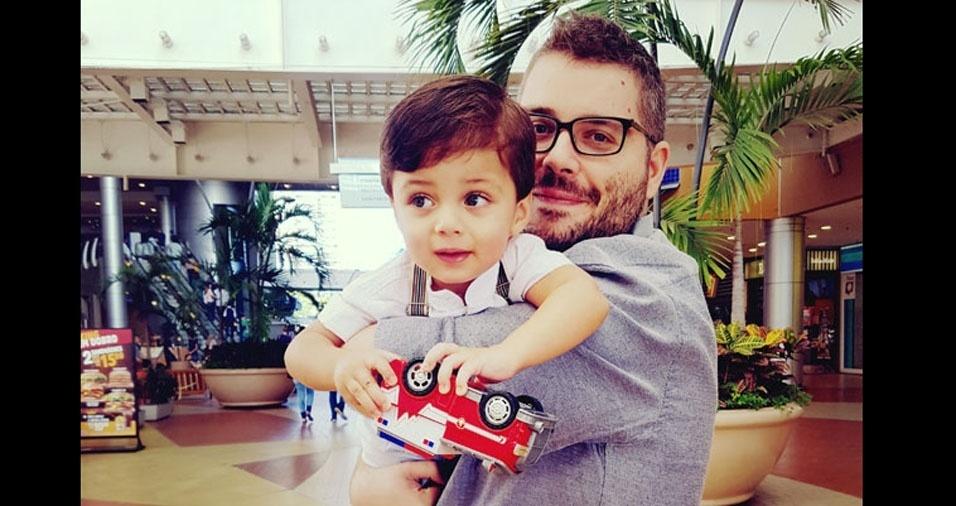 Papai Vinicius com seu filho Rafael, de Nova Iguaçu (RJ)