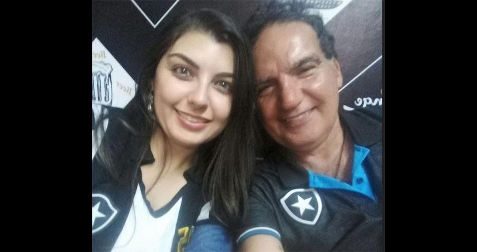 """Amanda dos Santos Pinho Mezavila e Ricardo Mezavila, do Rio de Janeiro (RJ): """"Torcendo para o Glorioso"""""""