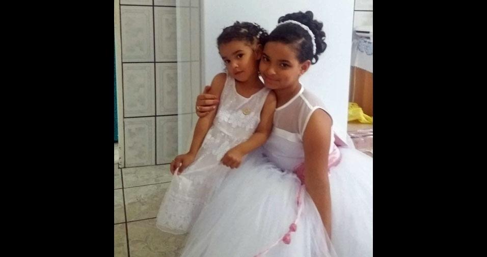 A mamãe Ana Claudia enviou foto das filhas Ágata e Alicia