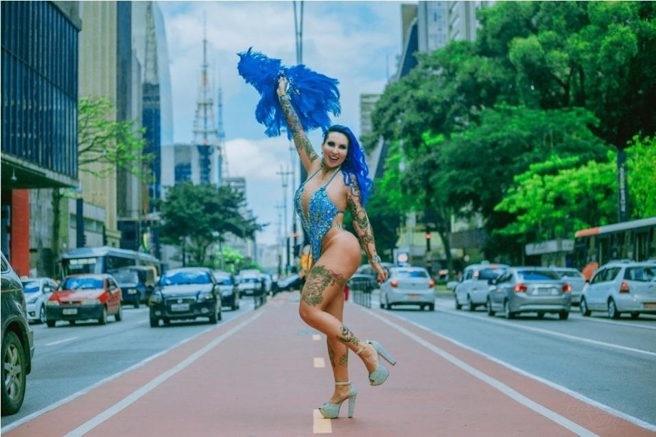 17.fev.2017 - Sabrina Boing Boing prometeu desfilar nua com as cores da Acadêmicos do Tatuapé, caso a escola vença o Carnaval de São Paulo