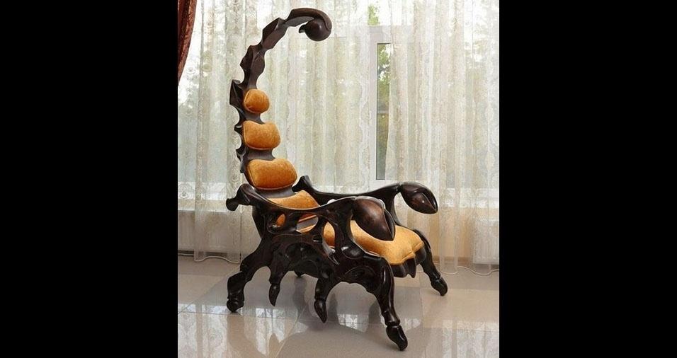 24. Poltrona escorpião