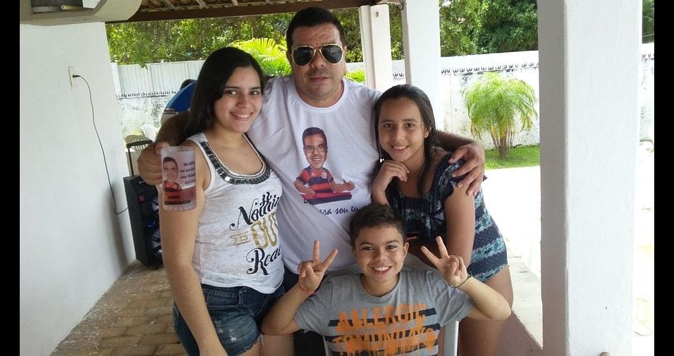Papai Camilo e seus filhos Sara, Maria Teresa e Gabriel, de Natal (RN)