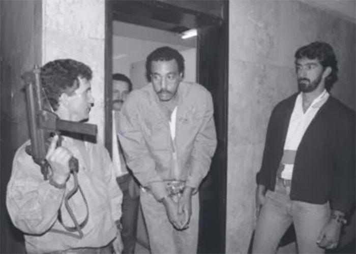 Rogério Lemgruber, também conhecido como Bagulhão ou Marechal, foi um dos fundadores da facção criminosa Falange Vermelha, que deu origem ao Comando Vermelho, no final dos anos 1970. Traficante de drogas, Bagulhão passou boa parte da sua vida preso no presídio Cândido Mendes, na Ilha Grande (RJ), onde cumpriu pena até a sua morte, em 1992, vítima de complicações causadas pelo diabetes. Atualmente, as iniciais de seu nome, RL, foram atreladas ao nome da facção criminosa, a maior do Rio de Janeiro