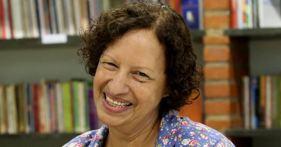 Suelizinha, como é conhecida, começou como professora de português em uma escola do Jardim Nordeste, na zona leste de São Paulo. Lá, ela criou um projeto que mudaria sua vida e a de estudantes da rede pública de São Paulo