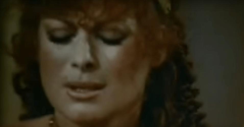 """""""CALÍGULA"""" - O filme tem muitas cenas de sexo explícito e retrata as orgias do imperador romano Calígula (Malcolm McDowell). Os personagens principais, no entanto, não estiveram envolvidos nas cenas fortes."""