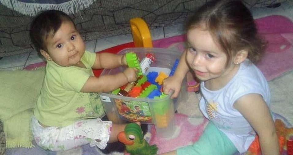 Roberta enviou foto das filhas Lorena e Manuela, de São Bernardo do Campo (SP)