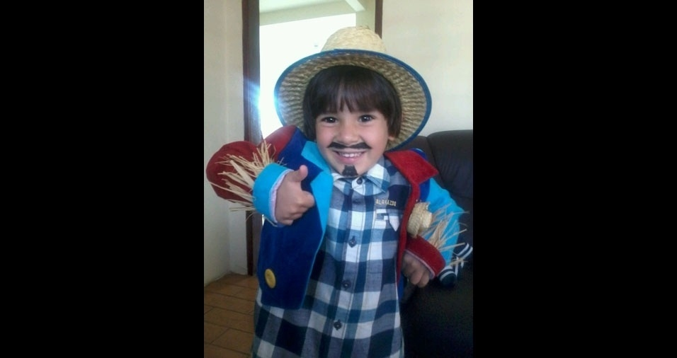 A mamãe Valdineia Nunes Ramos enviou foto do filho Pedro Henrique, sete anos, de Itajubá (MG)
