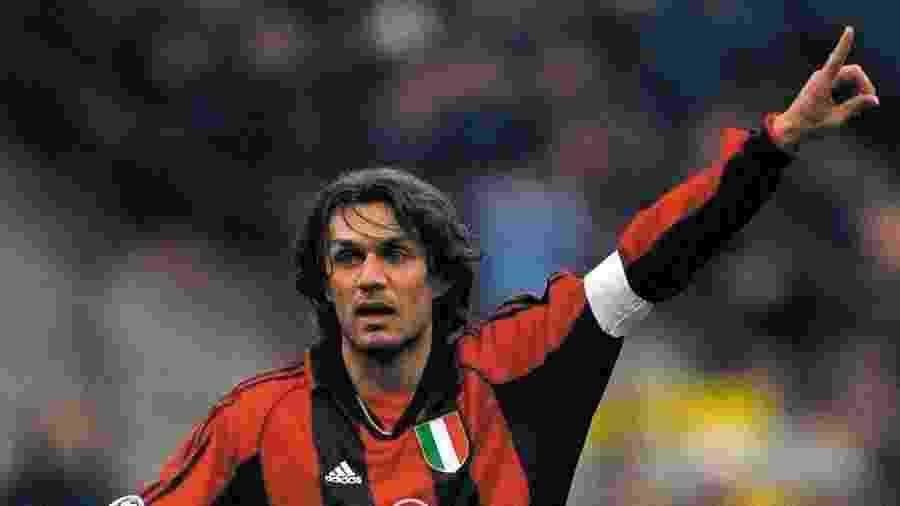 Maldini, assim como seu filho Daniel, atual jogador do Milan, foram diagnosticados com covid-19 - Reprodução/Twitter @Felipesoccerboi