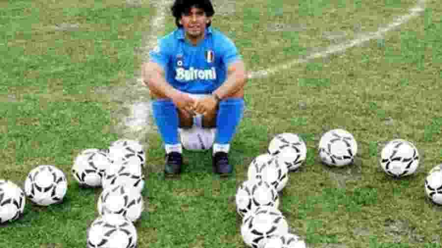 Diego Maradona, na época em que vestia as cores do Napoli - Reprodução/tn.com.ar