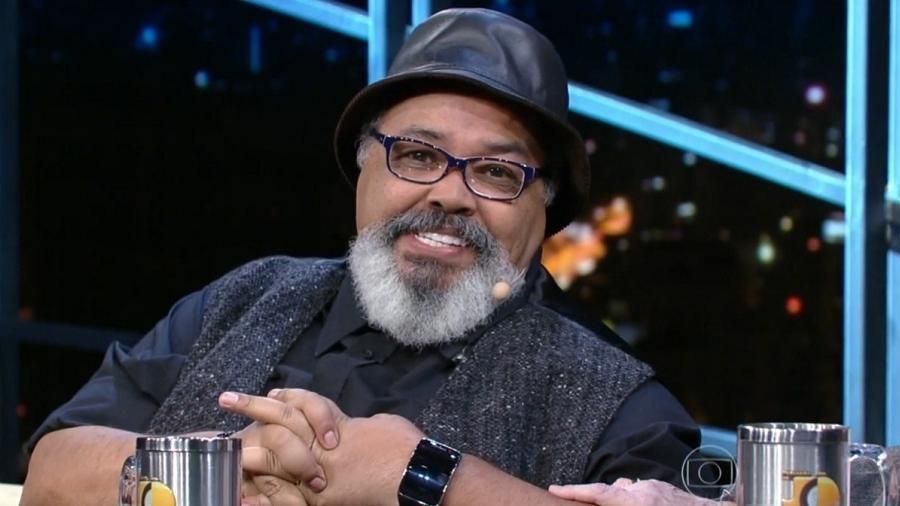 """Jorge Aragão precisou realizar uma angioplastia coronária para """"desentupir"""" artéria - Divulgação/TV Globo"""