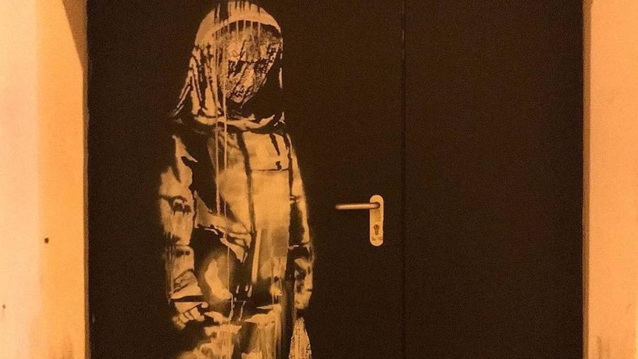 Grafite desenhado por Banksy no Bataclan, em Paris - Reprodução/Instagram