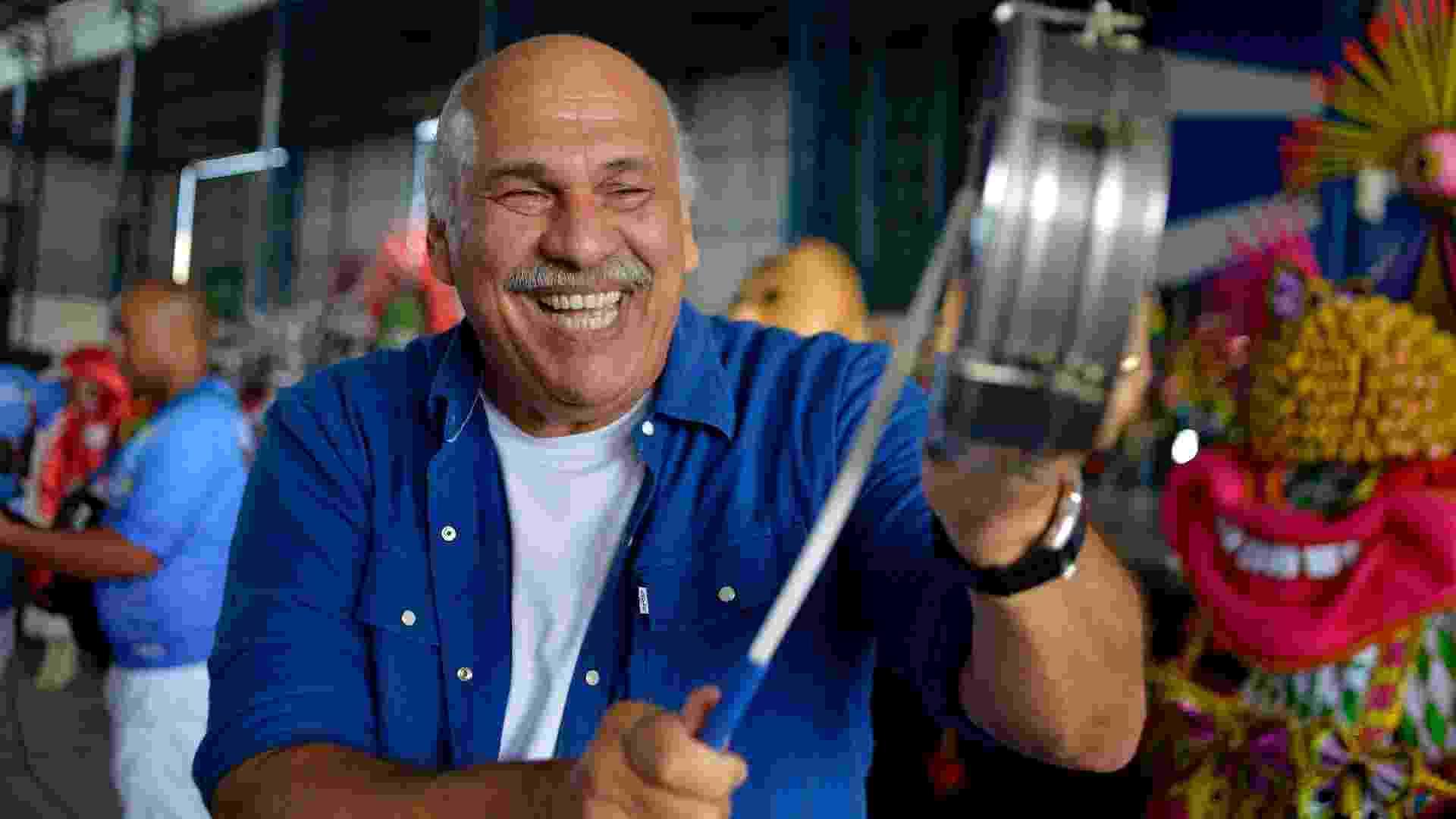 """Aos 70 anos, Márcio Canuto é pura animação no início da cobertura do Carnaval pelo """"SPTV"""", da Globo - Reinaldo Canato/UOL"""