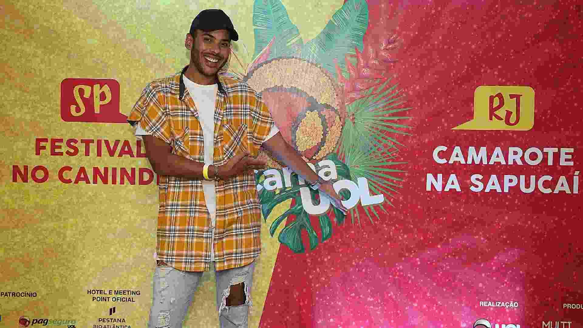 19.jan.2017 - O digital influencer Hugo Gloss é o embaixador oficial do CarnaUOL 2017. Ele comandou o lançamento do projeto em um coquetel no hotel Pestana Copacabana, no Rio - Marco Antônio Teixeira/UOL