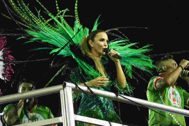 29.jan.2017 - Com o enredo de 2017 em homenagem a Ivete Sangalo, a Grande Rio fez na noite deste domingo (30) seu ensaio técnico na Sapucaí. Como grande estrela da folia, a cantora baiana causou grande frisson no sambódromo - Roberto Filho/Brazil News