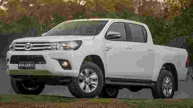 Na imagem ilustrativa, um Toyota Hilux, um dos carros alugados por Ricardo Teobaldo (Pode-PB) -