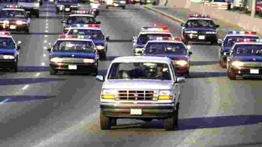 O.J. Simpson em perseguição com a polícia em 1994 -