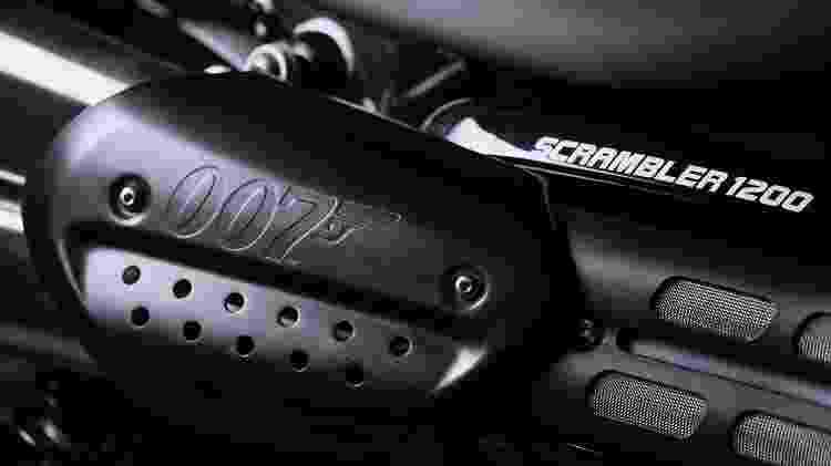 Logotipo 007 aparece em várias peças do modelo - Divulgação