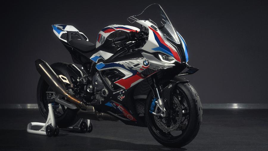 M 1000 RR, primeiro moto preparada pela divisão de Motorsports da BMW, fará sua estreia como safety-bike da categoria - Divulgação