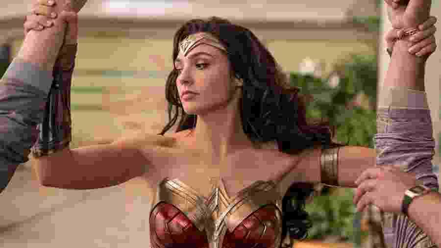 Gal Gadot é a Mulher-Maravilha na tenebrosa série de filmes da DC - Warner/Divulgação