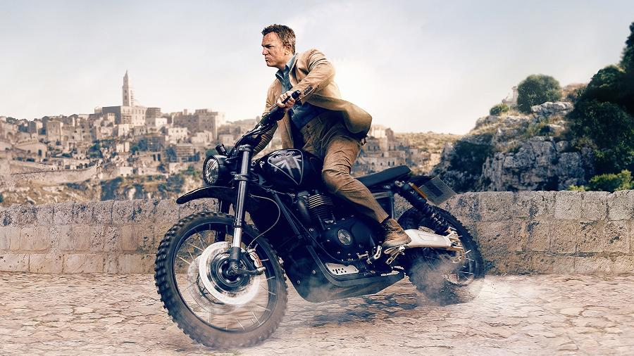 """Daniel Craig pilota uma Triumph Scrambler 1200 em """"007: Sem tempo para morrer"""" - Reprodução"""