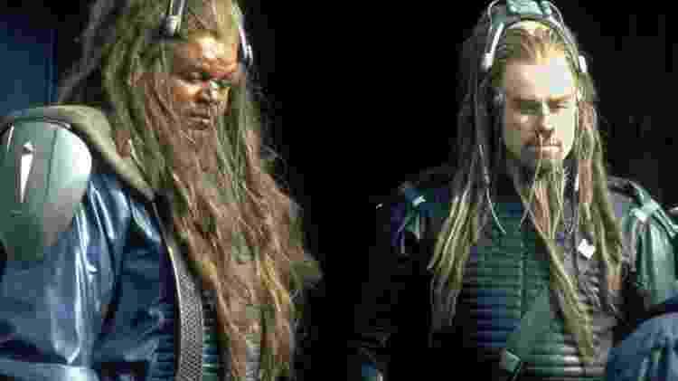 Ao lado de John Travolta, Forest Whitaker faz cosplay de Leão Covarde de Oz... - Reprodução