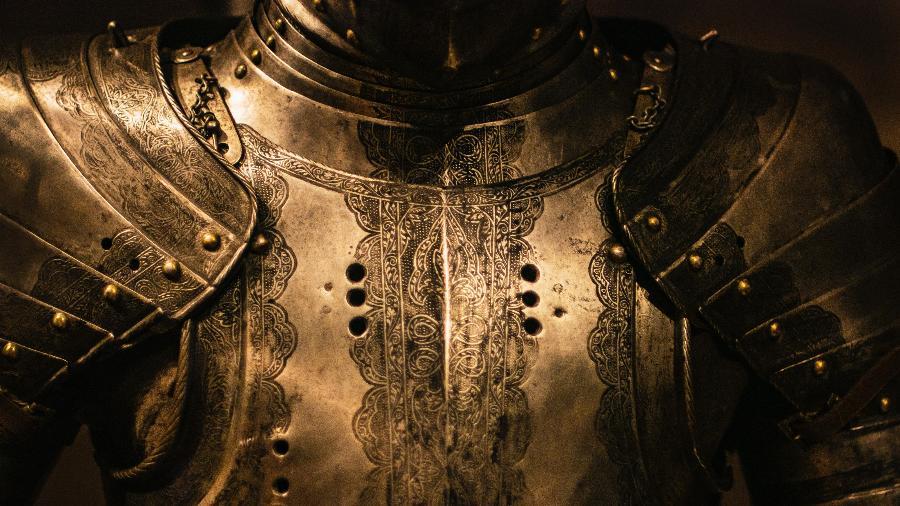 Só quem vive de armadura sabe o quanto ela pesa no dia a dia - Nik Shuliahin/ Unsplash