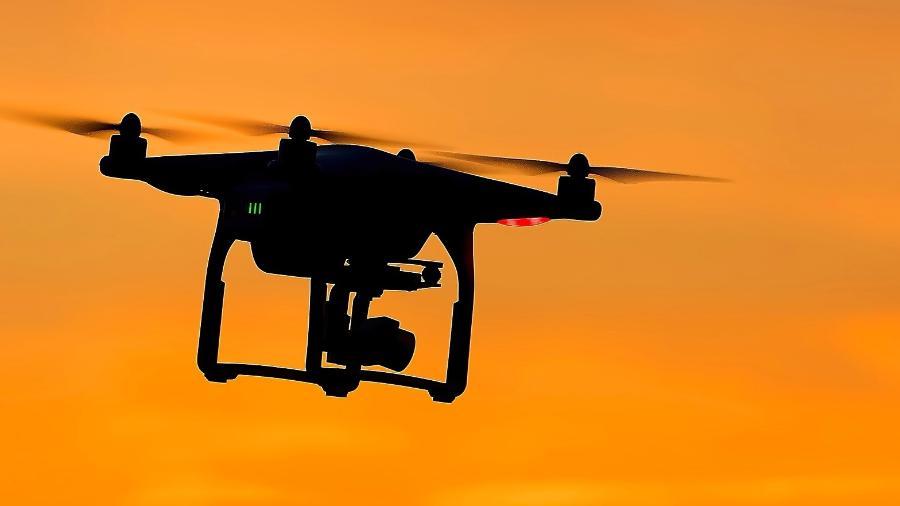 Colisão de um drone com aviões e helicópteros pode ocasionar até mesmo a queda da aeronave - StockSnap/Pixabay