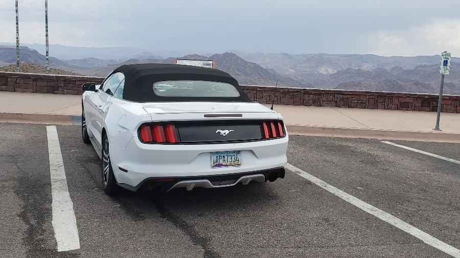 Mustang no Arizona, a caminho do Grand Canyon - Rafaela Borges