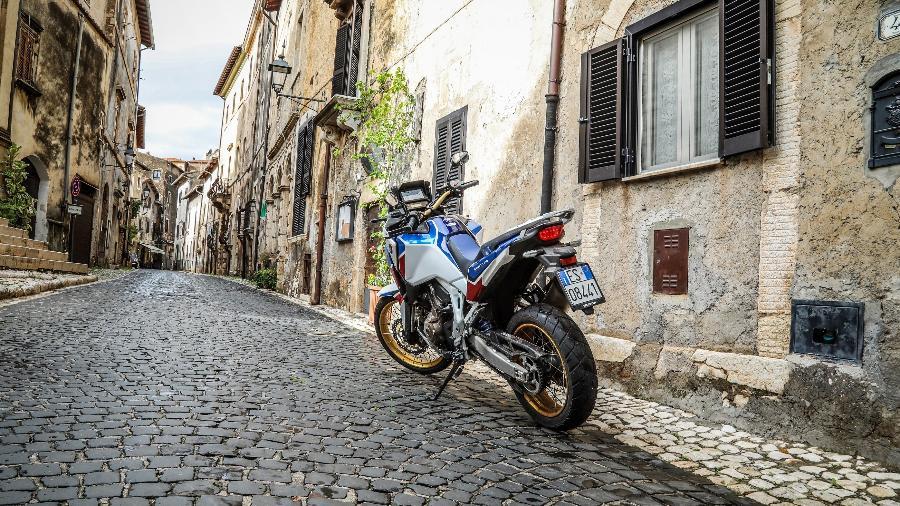 Na zona vermelha não são permitidas viagens entre municípios e regiões. Até trilhas de moto são proibidas  - Caio Mattos