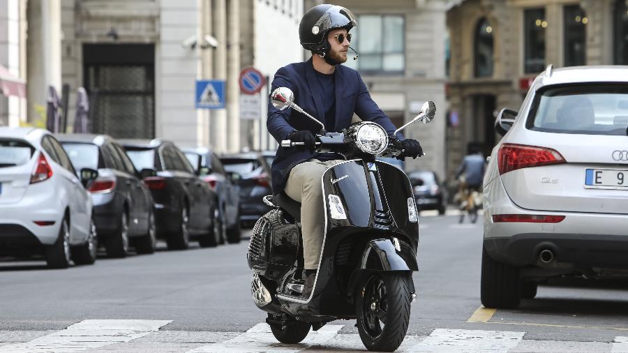 Campanha estimula o uso de motos e scooters como meio de transporte que evita aglomerações no transporte público - Divulgação