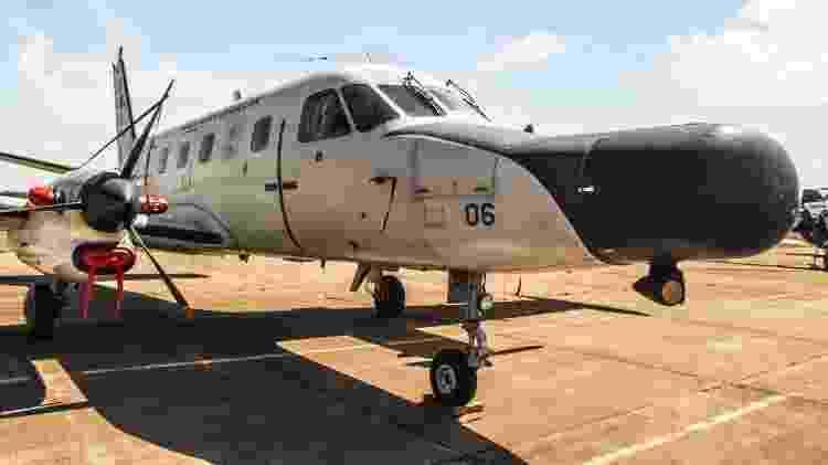 P-95BM Bandeirulha, com nariz adaptado para comportar sistemas de radar de detecção de embarcações - Alexandre Saconi - Alexandre Saconi