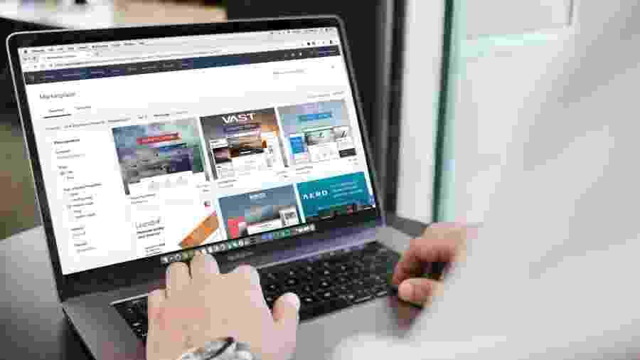 Concessionárias e fabricantes investem para atender os clientes online - Campaign Creators/Unsplash